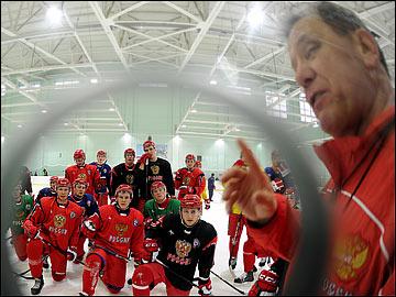 Михаил Варнаков во время открытой тренировки молодёжной сборной России