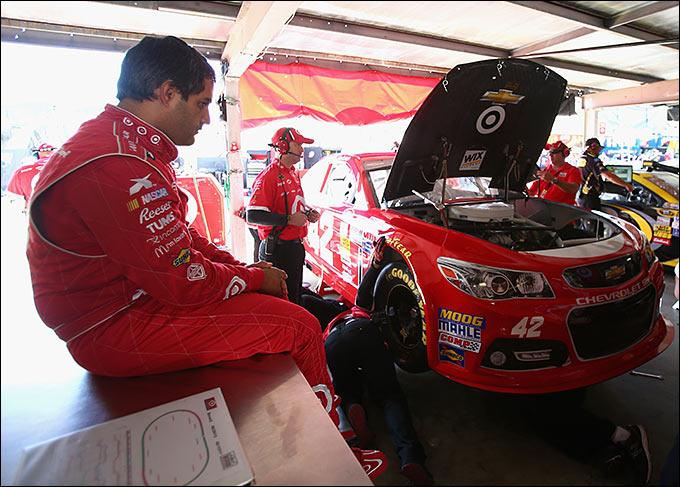 Монтойя покидает NASCAR в конце 2013 года