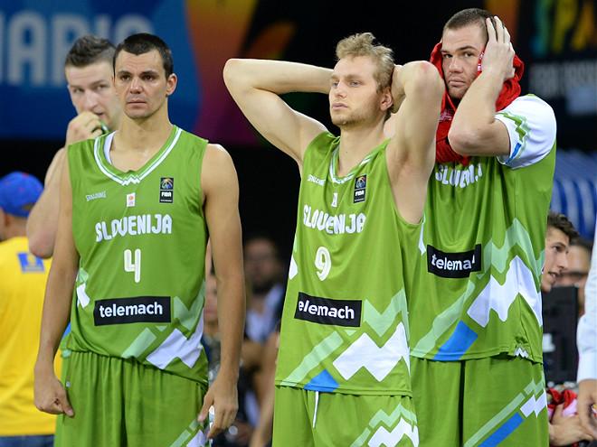 Игроки сборной Словении не могут поверить в произошедшее