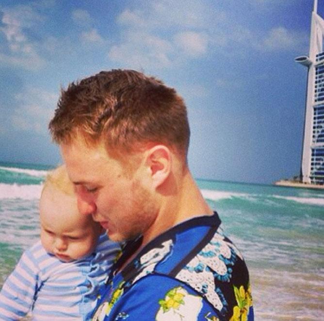 С сыном в ОАЭ