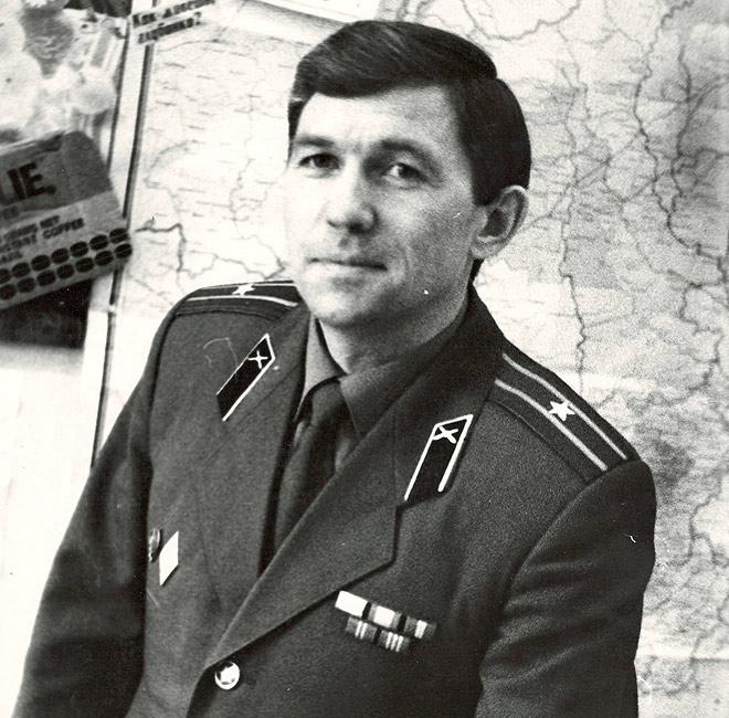 Майор Круглов — преподаватель зенитно-ракетного училища