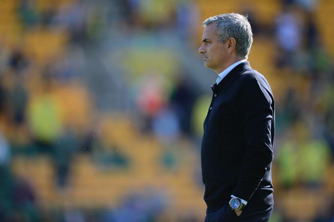 """Дома, в премьер-лиге, как всегда при Жозе Моуринью, """"Челси"""" осечек не знает"""