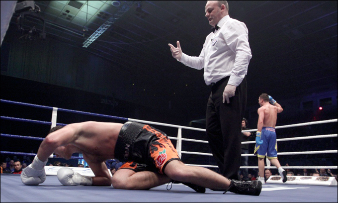 Гвоздик нокаутировал Челеса, чтобы не зависеть от судейских оценок