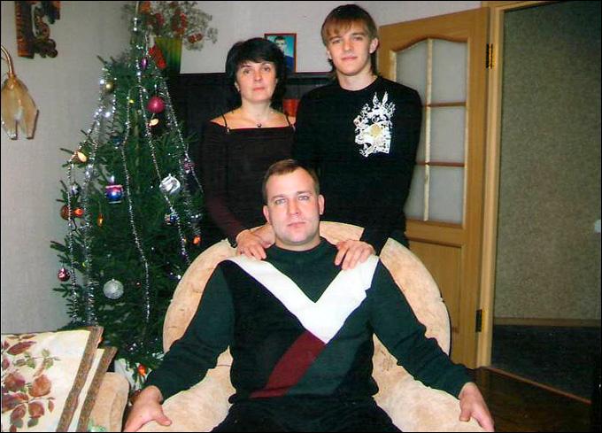 Александр Буйницкий с родителями