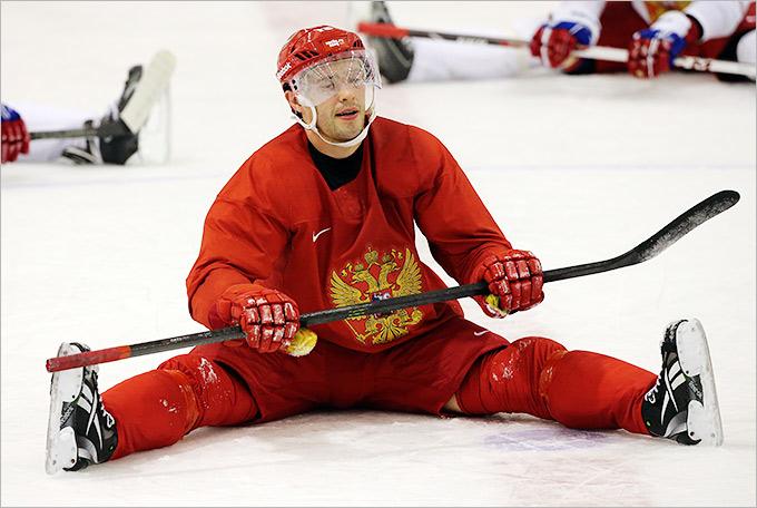 Павел Дацюк занимается греблей на льду