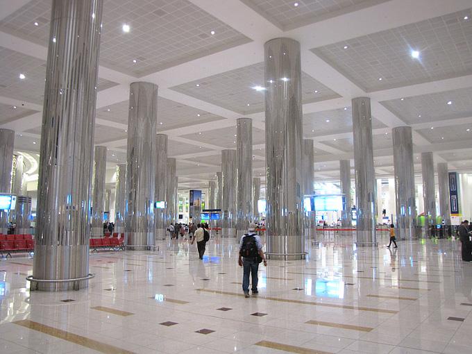 Один из залов дубайского аэропорта