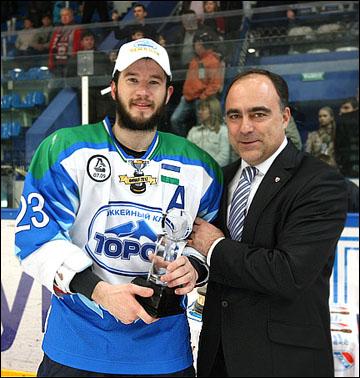 Станислав Голованов и управляющий директор ВХЛ Герман Скоропупов