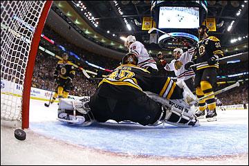 """20 июня 2013 года. Бостон. Плей-офф НХЛ. Финал. Матч № 4. """"Бостон"""" — """"Чикаго"""" — 5:6 (ОТ). Победный гол """"Чикаго"""" в овертайме"""
