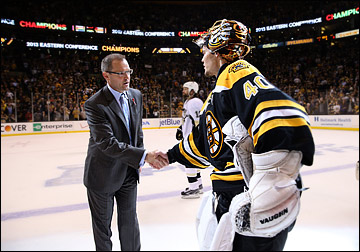 "8 июня 2013 года. Бостон. Плей-офф НХЛ. 1/2 финала. Матч № 4. ""Бостон"" — ""Питтсбург"" — 1:0. Дэн Байлсма и Туукка Раск"