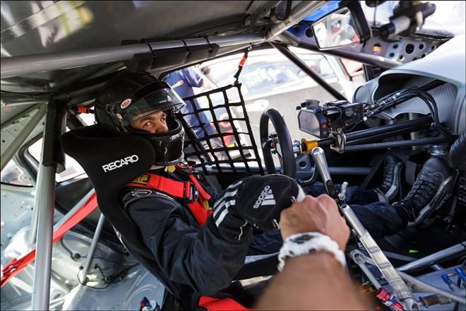 Никита Мисюля за рулём автомобиля WTCC