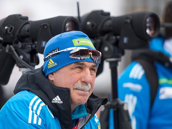 Первым из кандидатов на пост старшего тренера сборной выступил Александр Касперович