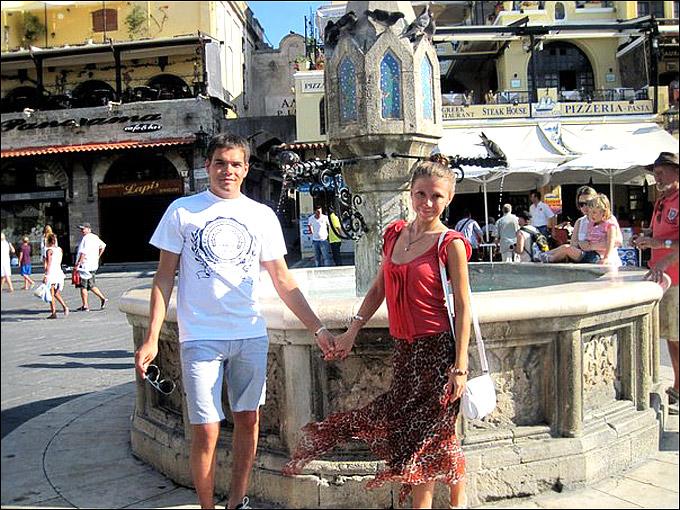 Александр Закиров с подругой Мариной