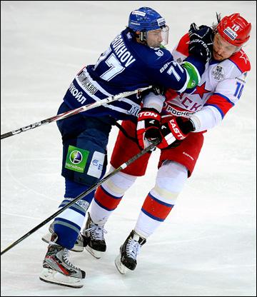 Олег Кваша (справа) против Ильи Горохова