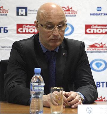 Главный тренер ХК МВД Сергей Орешкин