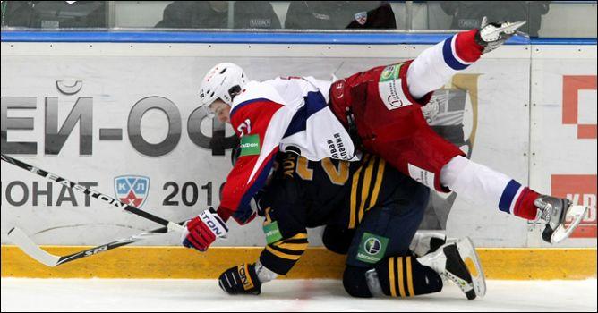 Следующий сезон Юрий Урычев начнет на скамейке