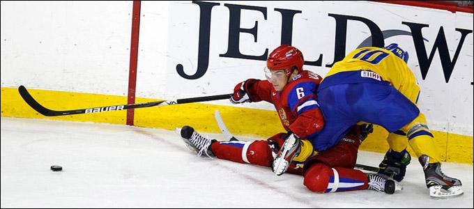 Михаил Науменков против сборной Швеции на молодежном чемпионате мира