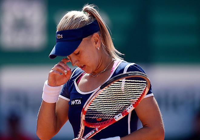 Веснина проиграла Кузнецовой в полуфинале Оэйраша