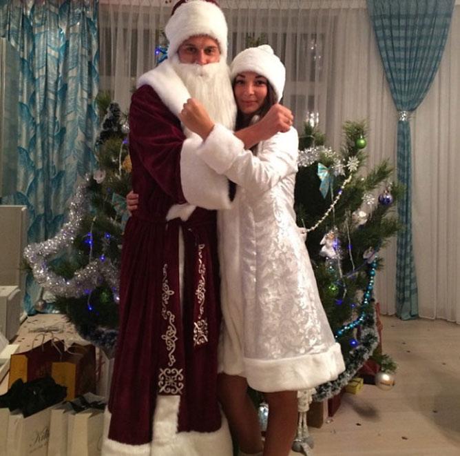 Ракицкие: Дед Мороз и Снегурочка