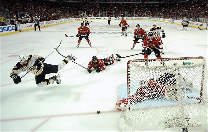 """13 июня 2013 года. Чикаго. Плей-офф НХЛ. Финал. Матч № 1. """"Чикаго"""" — """"Бостон"""" — 4:3 (ОТ)"""