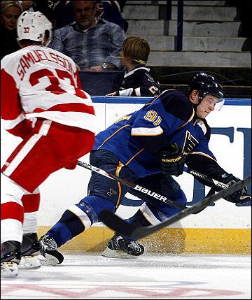 Владимир Тарасенко в своём первом матче в НХЛ