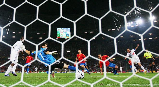 Гол Зидана в ворота сборной Испании на чемпионате мира 2006 года