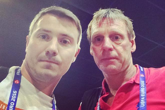 Владимир Стогниенко и бывший защитник сборной Англии Стюарт Пирс