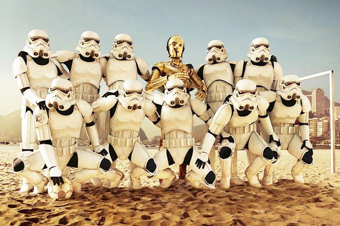 """А команда соперников у них очень серьёзная — взвод штурмовиков императора из киносаги """"Звёздные войны"""""""