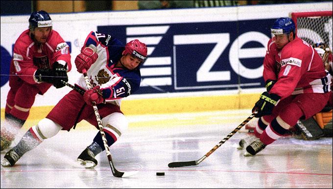 Андрей Коваленко против сборной Чехии на чемпионате мира — 2002