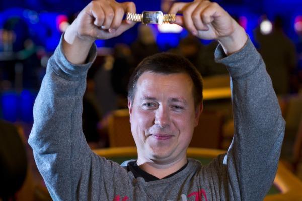 Владимир Щемелев выиграл браслет WSOP