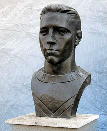 Валентин Кузин в бронзе