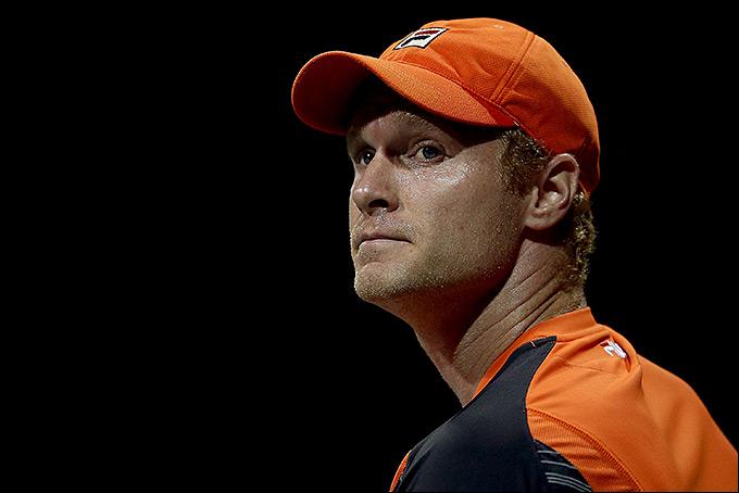 Дмитрий Турсунов снялся с турнира в Тюмени из-за травмы ноги