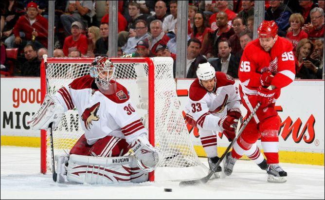 """14 апреля 2011. Детройт. Плей-офф НХЛ. 1/8 финала. """"Детройт Ред Уингз"""" — """"Финикс Койотс"""" — 4:2."""