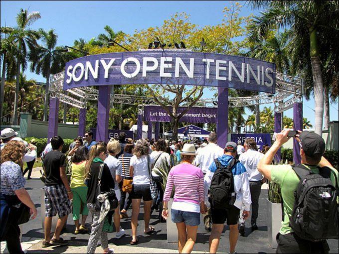 Вход в теннисный центр Майами