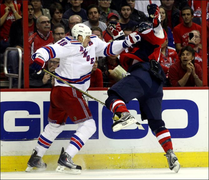 "14 апреля 2011. Вашингтон. Плей-офф НХЛ. 1/8 финала. ""Вашингтон Кэпиталз"" — ""Нью-Йорк Рейнджерс"" — 2:1."