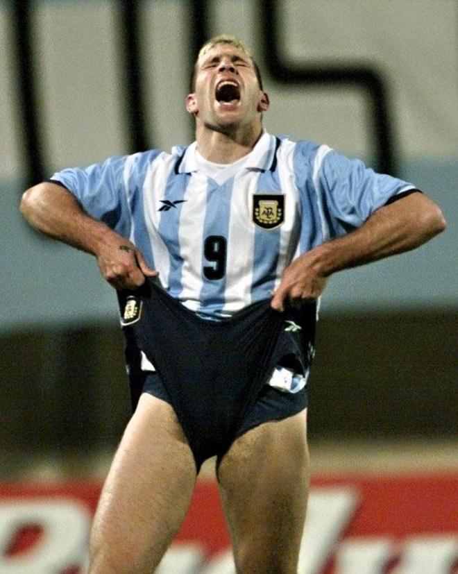 Мартин Палермо не сумел реализовать сразу три пенальти в течение одного матча