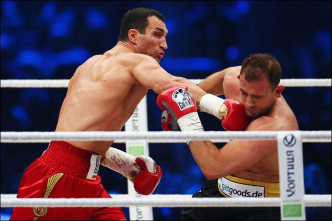 Кличко добился победы в шестом раунде