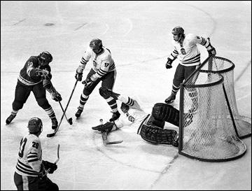 5 февраля 1976 года. Инсбрук. Олимпиада-1976. СССР — Чехословакия. Владимир Шадрин забрасывает победную шайбу