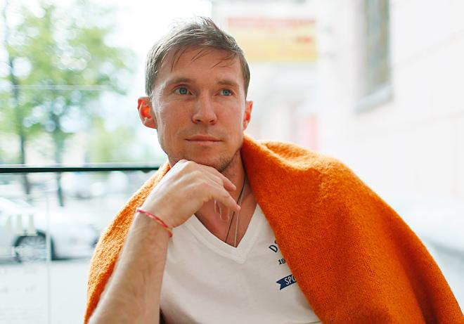 Александр Глеб даёт интервью «Чемпионату»