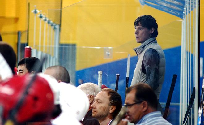 Александр Сёмин на тренерском мостике команды «Воспитанники Фролова»