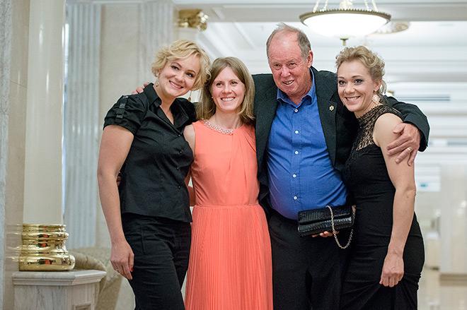 Вольфганг Пихлер со своими подопечными из сборной России