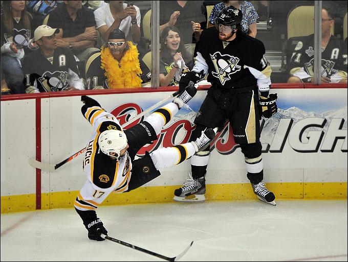 "2 июня 2013 года. Питтсбург. Плей-офф НХЛ. 1/2 финала. Матч № 1. ""Питтсбург"" — ""Бостон"" — 0:3. Трещали борта и кости"