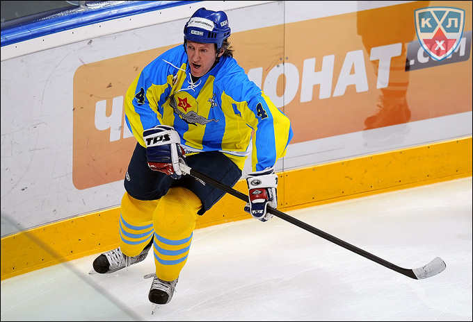 Дмитрий Фролов в матче ветеранов