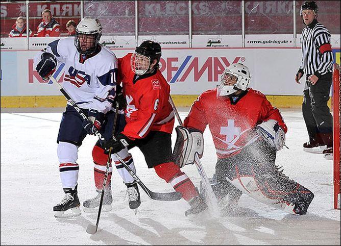 14 апреля 2011 года. Дрезден. Чемпионат мира среди юниоров. Швейцария — США — 1:2.