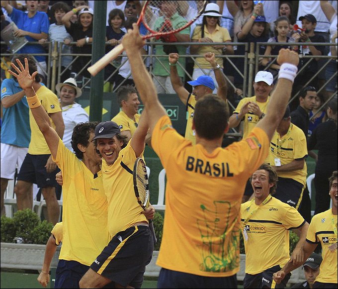 Бразильцы обыграли россиян в плей-офф Кубка Дэвиса