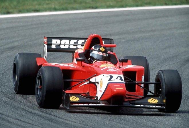 Виктор Маслов в Формуле-3000 в 2000 году