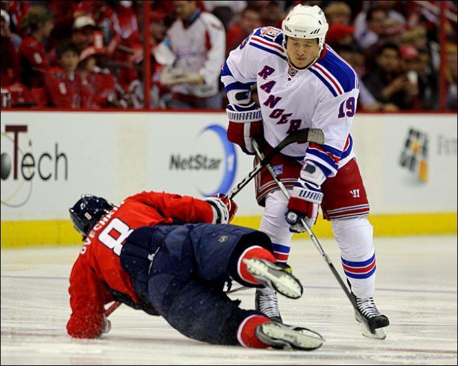 "16 апреля 2011. Вашингтон. Плей-офф НХЛ. 1/8 финала. ""Вашингтон Кэпиталз"" — ""Нью-Йорк Рейнджерс"" — 2:0."