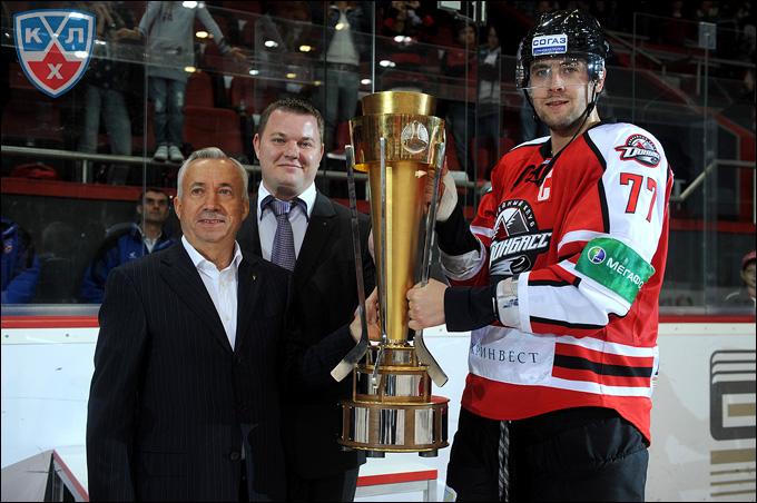 Олег Пиганович с Кубком Донбасса