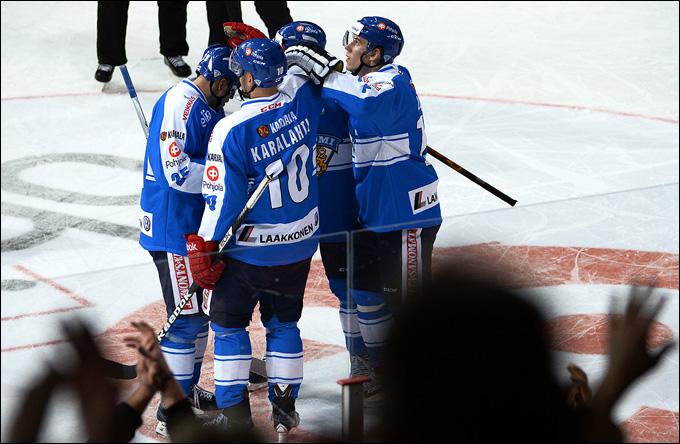 10 ноября 2013 года. Хельсинки. Еврохоккейтур. Кубок Карьяла. Финляндия — Швеция — 2:3 (ОТ). Финны выиграли домашний этап Еврохоккейтура