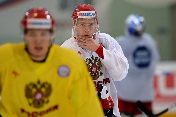 Евгений Кузнецов на тренировке сборной России