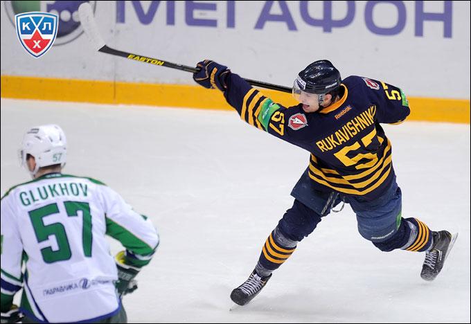 Новый кумир болельщиков — Роман Рукавишников